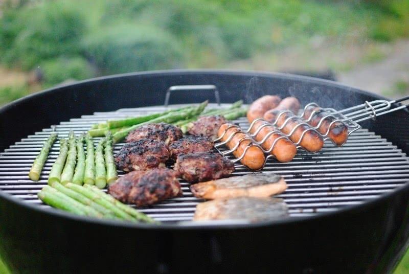 Hamburgers van 100% puur rundvlees en mais van de bbq